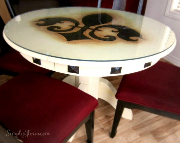 DIY Dining Table - SimplyGloria.com #DIY
