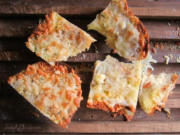 Easy Garlic Cheesy Bread - SimplyGloria.com