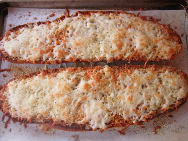 How to make the perfect Garlic Cheesy Bread