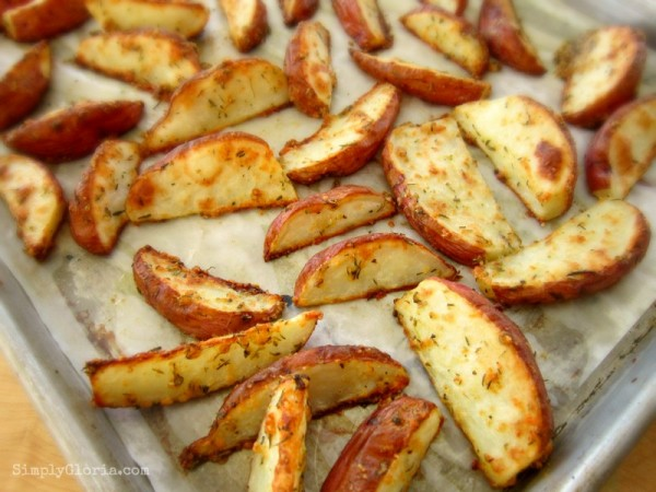 Baked Parmesan Fries by SimplyGloria.com   #potatoes