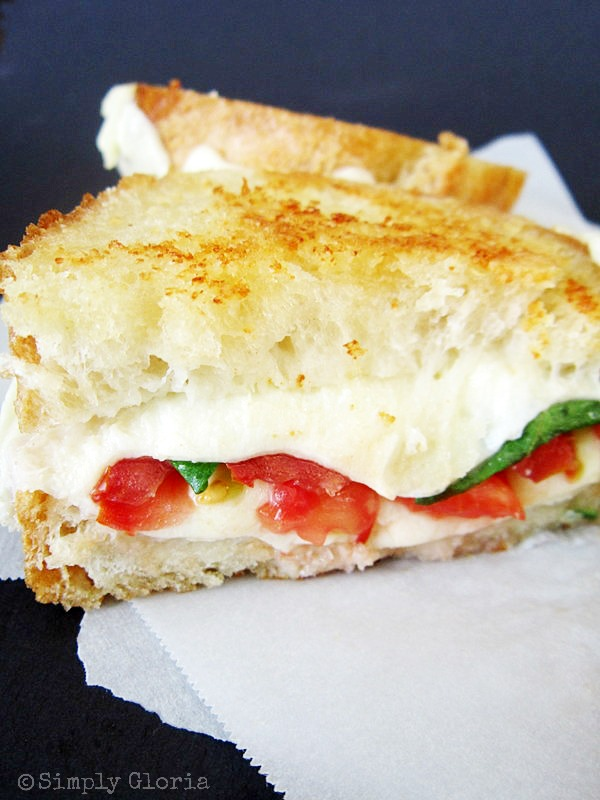 Caprese Grilled Cheese by SimplyGloria.com #sandwich