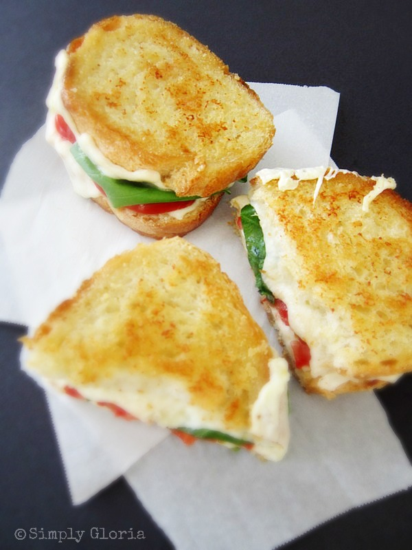 Caprese Grilled Cheese by SimplyGloria.com #sandwiches