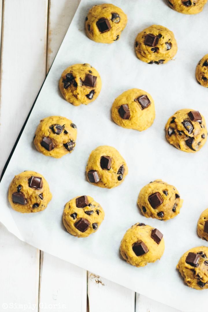 Pumpkin Chocolate Chip Cookies by SimplyGloria.com #pumpkin i