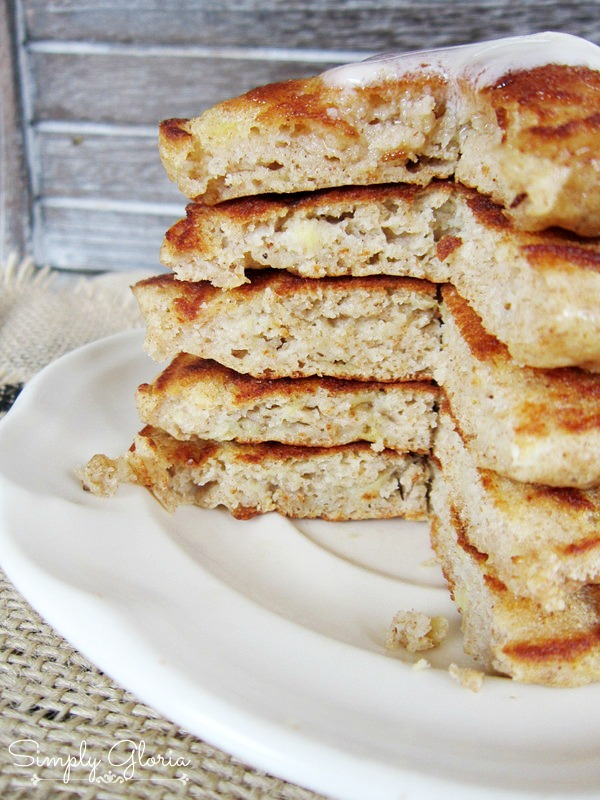 Whole Wheat Banana Pancakes by SimplyGloria.com The buttermilk makes these so fluffy!  #pancakes