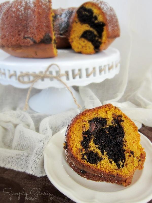 Chocolate Swirl Pumpkin Bundt Cake SimplyGloria.com #pumpkin #cake