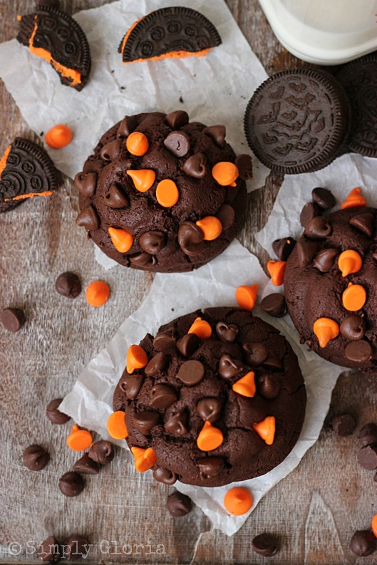 Oreo Stuffed Chocolate Cookies @ SimplyGloria.com #Halloween