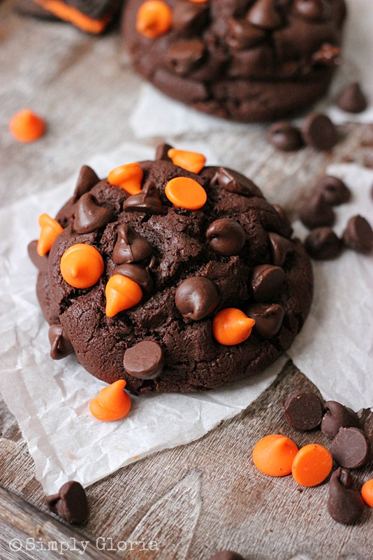 Oreo Stuffed Chocolate Cookies @ SimplyGloria.com Oreo fun right in the middle of a soft, gooey #Halloween chocolate cookie!