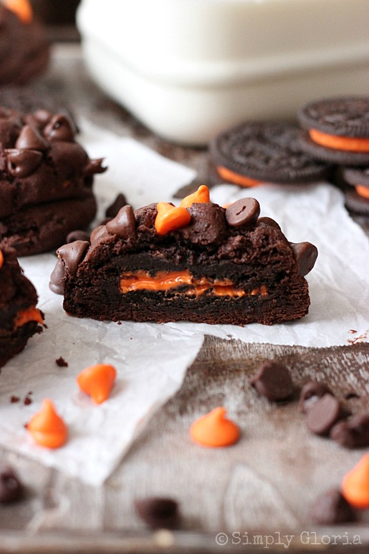 Oreo Stuffed Chocolate Cookies by SimplyGloria.com Oreo #Halloween fun center!
