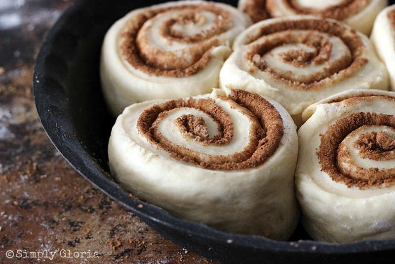 Quick & Easy Cinnamon Rolls by SimplyGloria.com