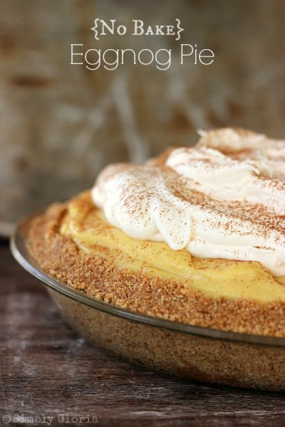 {No Bake} Eggnog Pie by SimplyGloria.com #pie #eggnog