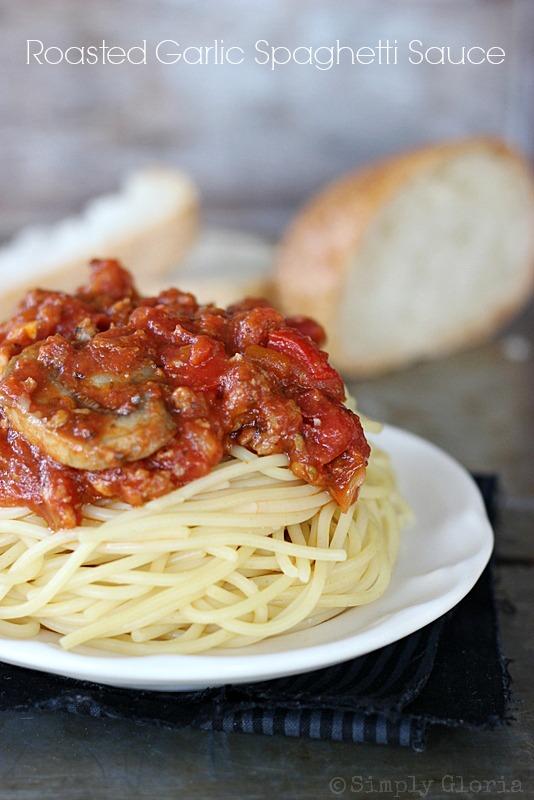 Roasted Garlic Spaghetti Sauce @ SimplyGloria.com #spaghetti
