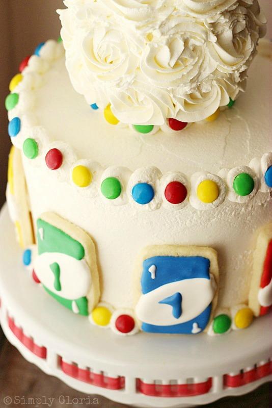 Uno Cake with Uno Card Cookies @ SimplyGloria.com #Uno #birthday