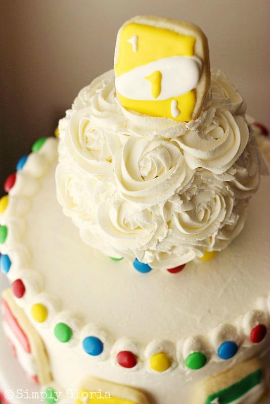 Uno Cake with Uno Card Cookies @ SimplyGloria.com #birthday #Uno