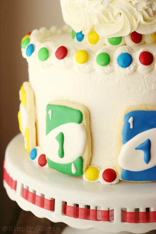 Uno Cake with Uno Card Cookies by SimplyGloria.com #birthday #Uno