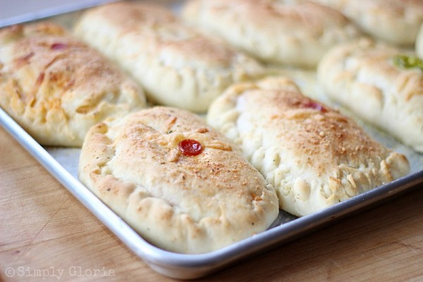 Homemade Stuffed Pizza Pockets from SimplyGloria.com Ingredients4