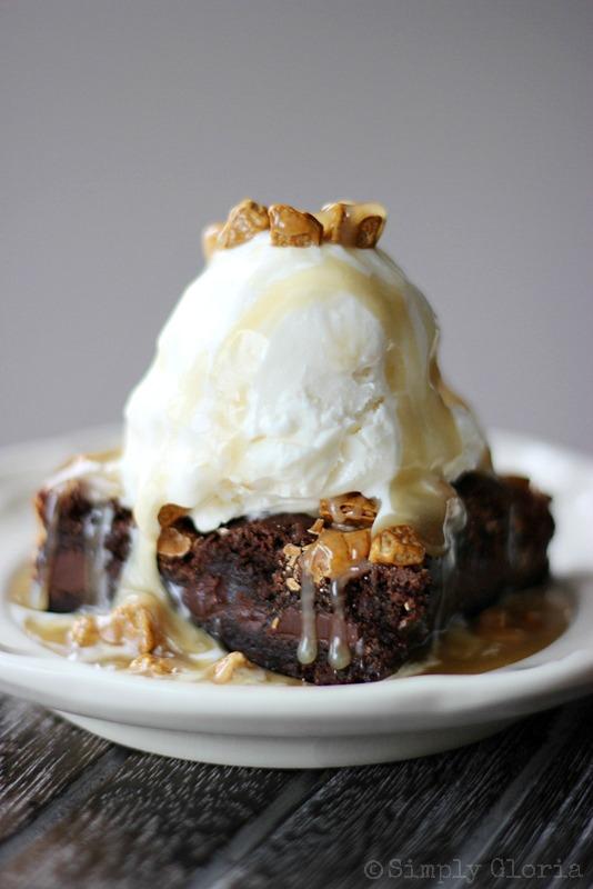 Salted Caramel Rockslide Brownies made with ChocoRocks from SimplyGloria.com #brownies