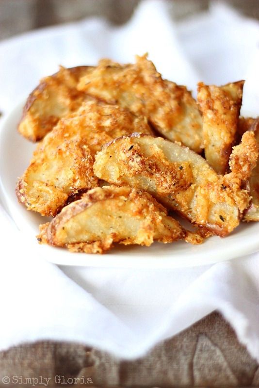 Crispy Cheddar Baked Fries with SimplyGloria.com #BakedFries