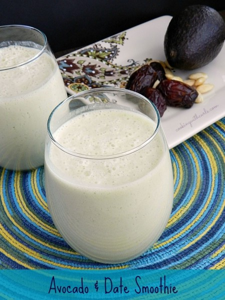 SMOOTHIEAvocado-and-Date-Smoothie-cookingwithcurls.com_2-767x1024