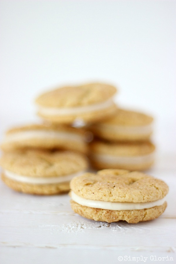Chai Snickerdoodle Whoopie Pies with SimplyGloria.com #CreamCheeseIcing