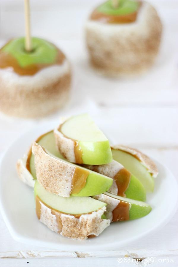 Chai Sugared Caramel Apples with SimplyGloria.com #chai #whitechocolate