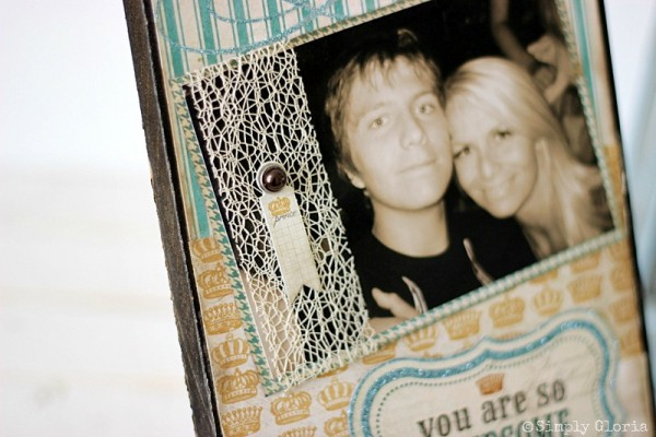 Easy to make Picture Frame Sign with SimplyGloria.com #scrapbook #sign