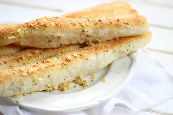 Garlic Parmesan Bread Sticks by SimplyGloria.com #garlic
