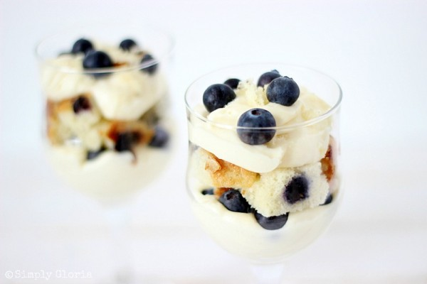 No Bake Blueberry Muffin Cheesecake Trifle with SimplyGloria.com #cheesecake
