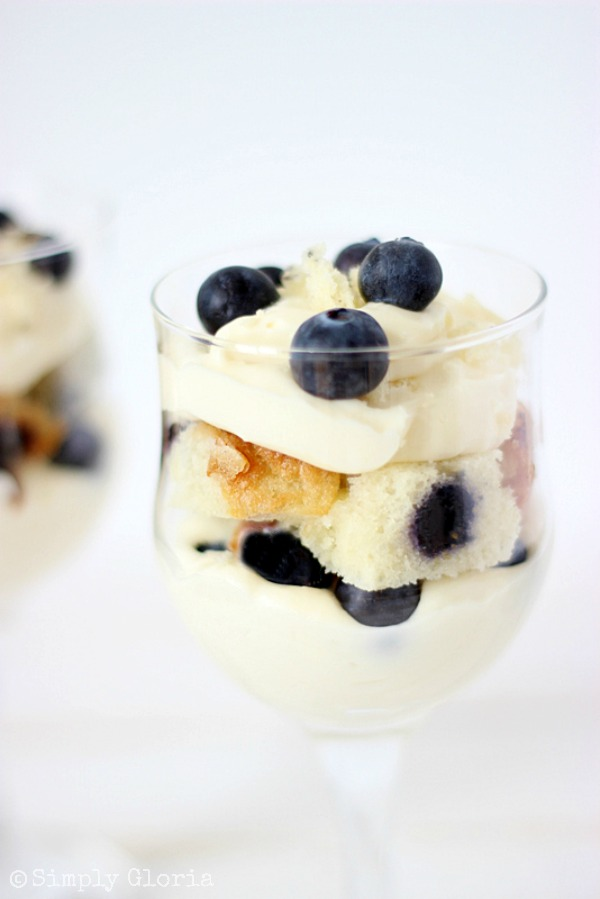 No Bake Blueberry Muffin Cheesecake Trifle with SimplyGloria.com #nobake