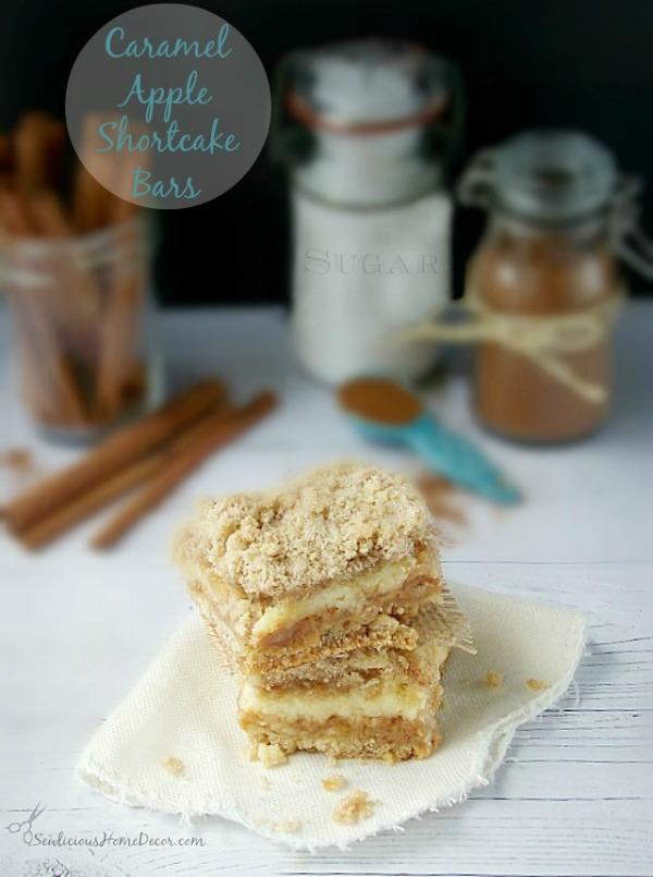 A-Delicious-and-Gooey-Caramel-Apple-Shortcake-Bars-from-sewlicioushomedecor.com_