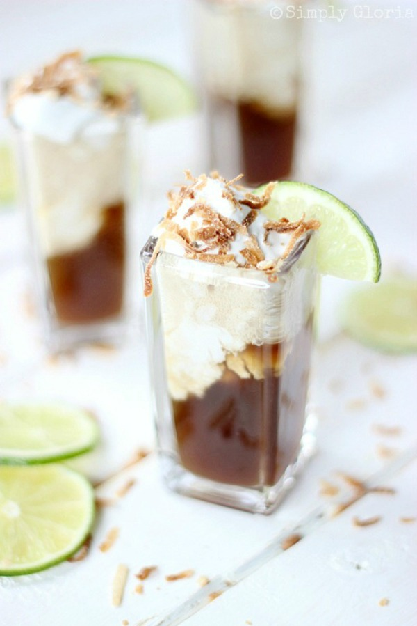 Dirty Dr. Pepper Floats with coconut ice cream from SimplyGloria.com #IceCream #DrPepper