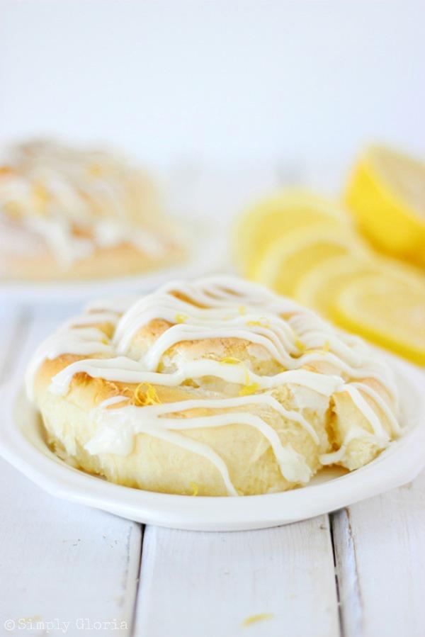 Sticky Lemon Sweet Rolls with SimplyGloria.com #lemons