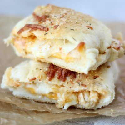 Buffalo Chicken Alfredo Pizza Pockets