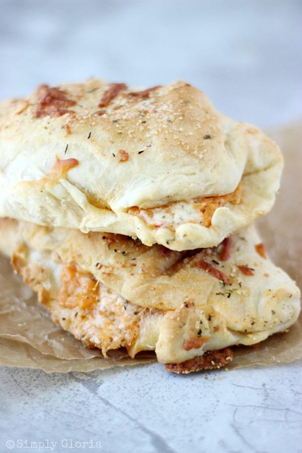 Buffalo Chicken Alfredo Pizza Pockets with SimplyGloria.com #pizza