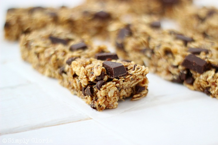 Chocolate Chunk Pumpkin Granola Bars with SimplyGloria.com #pumpkin #chocolate