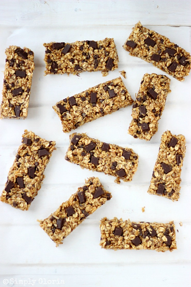 Chocolate Chunk Pumpkin Granola Bars with SimplyGloria.com #pumpkin #granola #bars