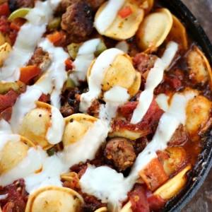 Italian Sausage and Ravioli Skillet with SimplyGloria.com #cheese #pasta