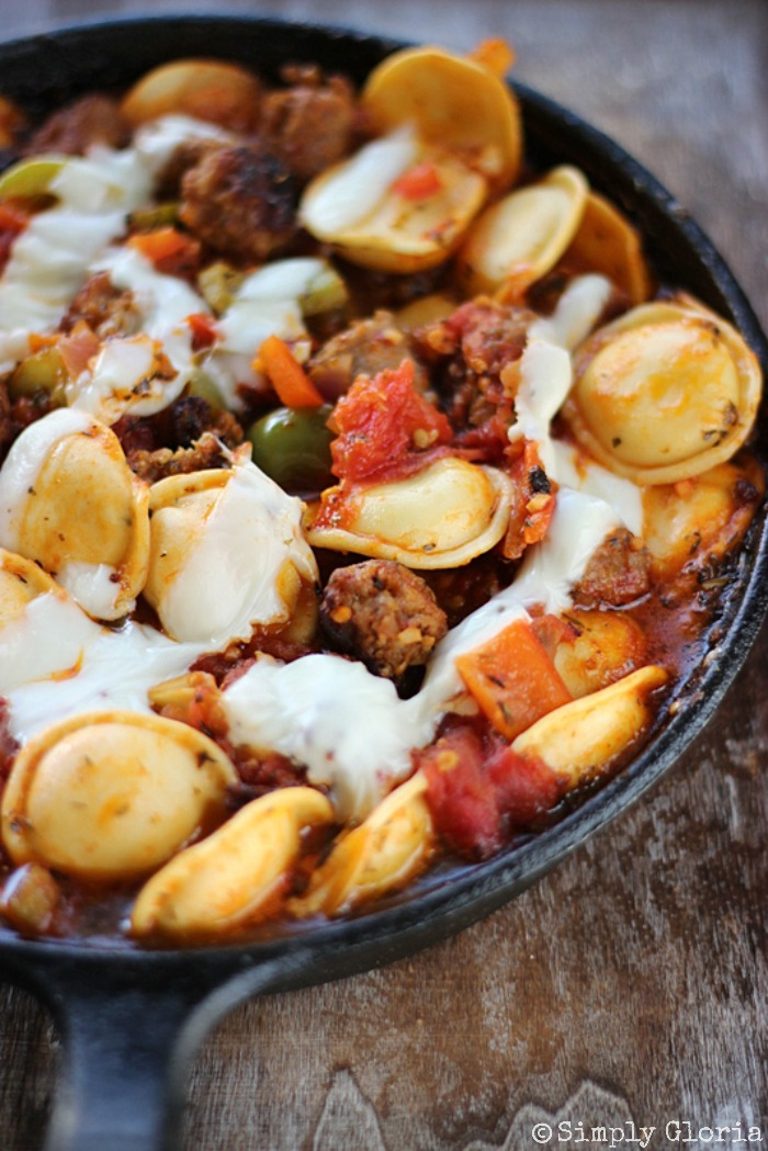 Italian Sausage and Ravioli Skillet with SimplyGloria.com #skillet #pasta