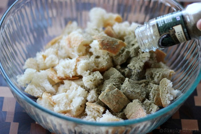Sourdough Bread Stuffing with Italian Sausage from SimplyGloria.com #dressing 2