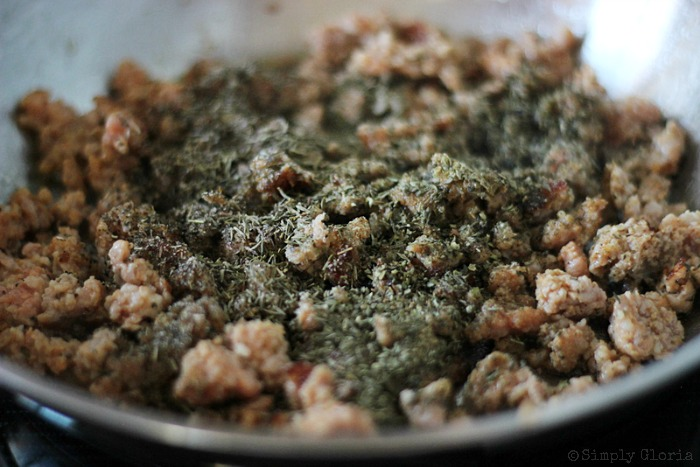 Sourdough Bread Stuffing with Italian Sausage from SimplyGloria.com #dressing 5