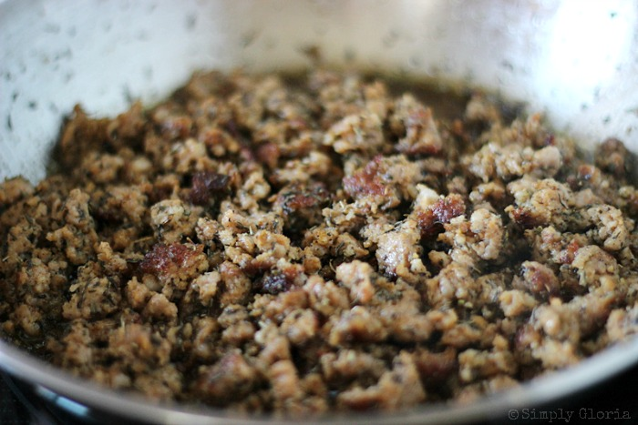 Sourdough Bread Stuffing with Italian Sausage from SimplyGloria.com #dressing 6