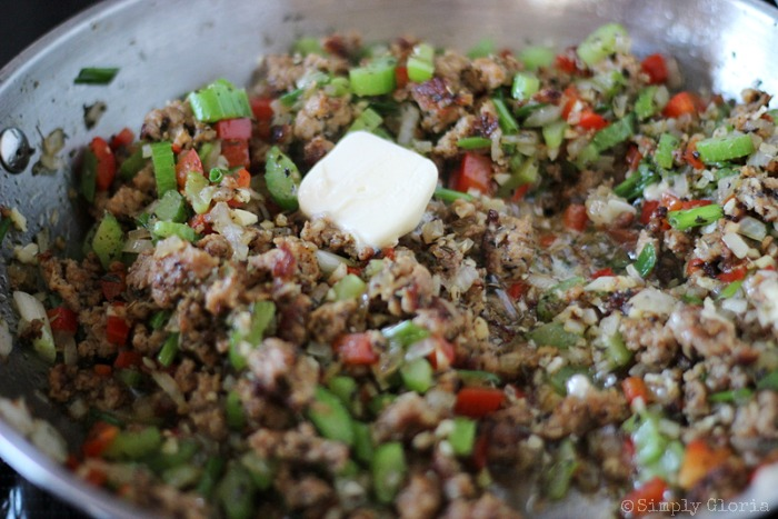 Sourdough Bread Stuffing with Italian Sausage from SimplyGloria.com #dressing 8