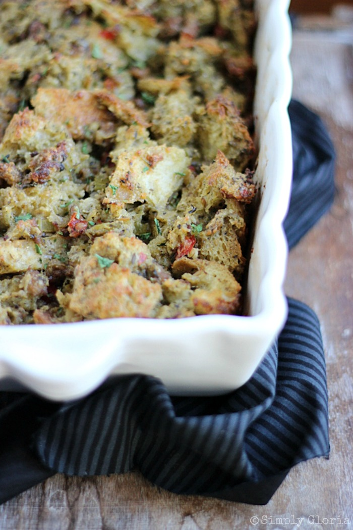 Sourdough Bread Stuffing with Italian Sausage from SimplyGloria.com #dressing #stuffing #dinner