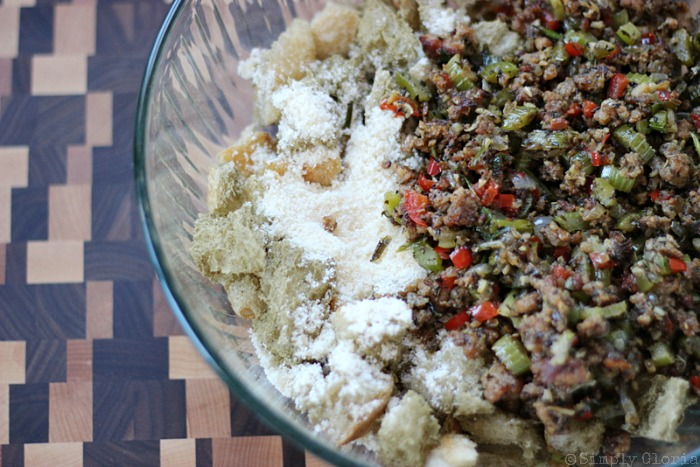 Sourdough Bread Stuffing with Italian Sausage from SimplyGloria.com #dressing vi