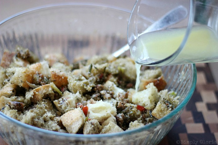 Sourdough Bread Stuffing with Italian Sausage from SimplyGloria.com #dressing viii