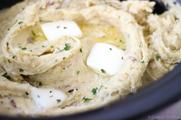 Slow Cooker Garlic Buttermilk Mashed Potatoes with Parmesan cheese and ...
