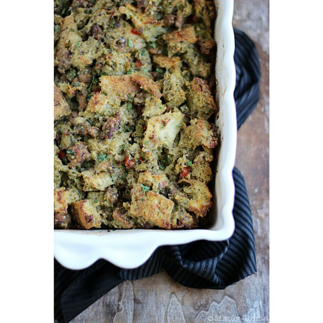 Need a (super delicious!) stuffing recipe for the holidays?  There's sourdough bread and sausage involved!  Link in profile. ?
