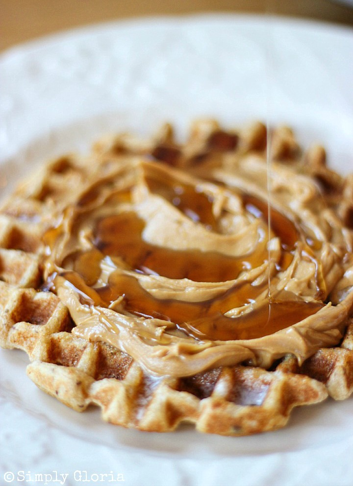 Vanilla Greek Yogurt Waffles with SimplyGloria.com #flaxseed #WholeWheat