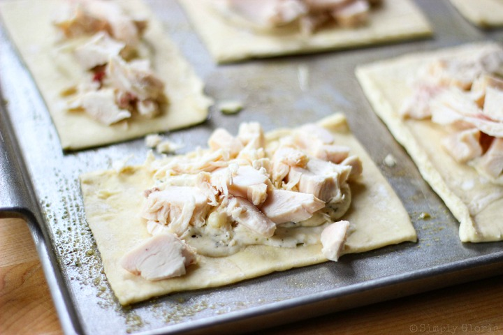 Chicken Alfredo Bacon Pastry Pockets via SimplyGloria.com i