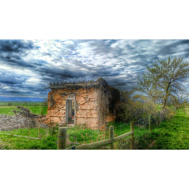 The calm before another storm. ... #northernutah #oldhouse #utah #adventures #wowutah #naturelover #nature_perfection