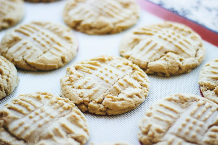 Soft and Chewy Peanut Butter Cookies are simple to make!